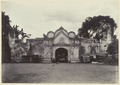 KITLV 3783 - Kassian Céphas - The Northern benteng gate of the craton of the Sultan of Yogyakarta - Around 1900.tif
