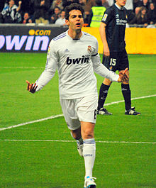 Kaká vs Real Sociedad 2011.jpg