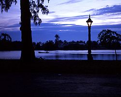 The riverside in Kampot City at dusk