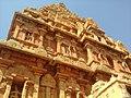 Kangalai kavarum gopuram.jpg