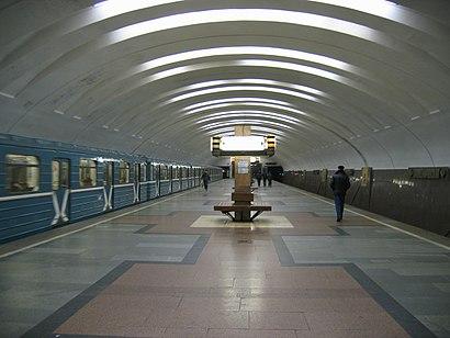 Как доехать до Кантемировская на общественном транспорте