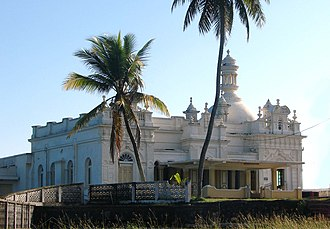 Sri Lankan Moors - Kechimalai Mosque, Beruwala. One of the oldest mosques in Sri Lanka. It is believed to be the site where the first Arabs landed in Sri Lanka