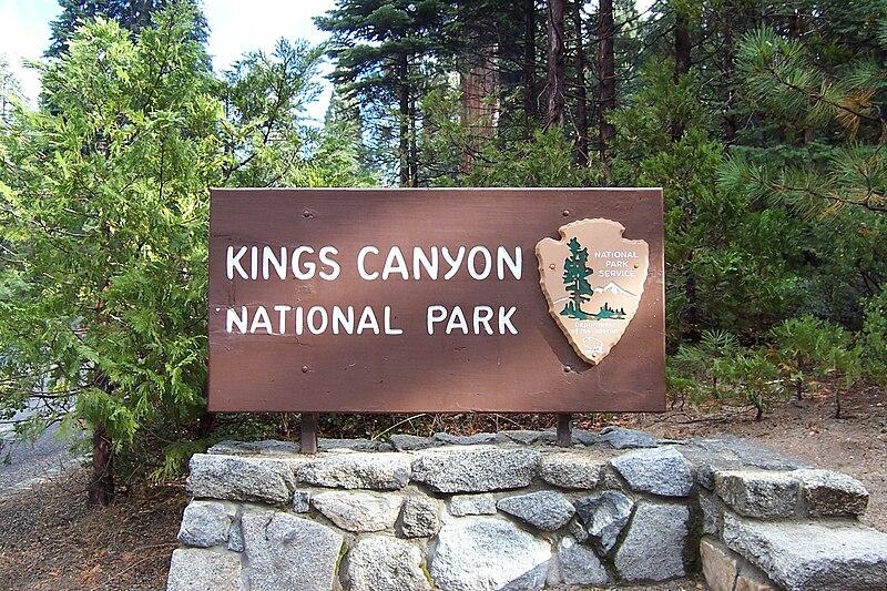 File:Kings Canyon NP Sign.JPG