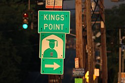 Turning sign for Kings Point