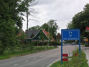 Ee, Dongeradeel - Sign at the entrance of town