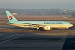 Korean Air Cargo, HL8251, Boeing 777-FB5 (39427144294).jpg
