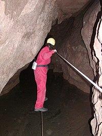 Krásnohorská jaskyňa (2005).jpg