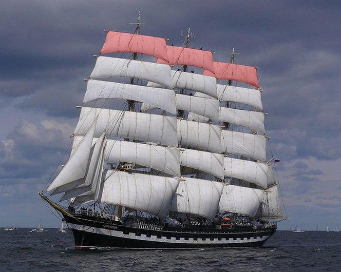Krusenstern royal sails.jpg