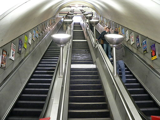 LU-SWimbledon-escalators