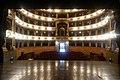 La platea ed i palchi ripresi dal palconescico in posizione centrale il palco reale.jpg