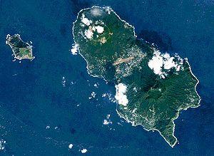 Hachijō-jima - Hachijō-jima (right) and Hachijō-kojima (left)