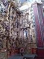 Lateral derecho del retablo de san Ignacio de Loyola.jpg