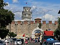 Leaning tower of Pisa seen from the Porta Nuova.jpg