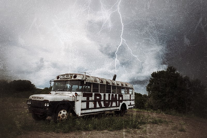 File:Lightning strikes Trump bus...fake news? (35651134625).jpg