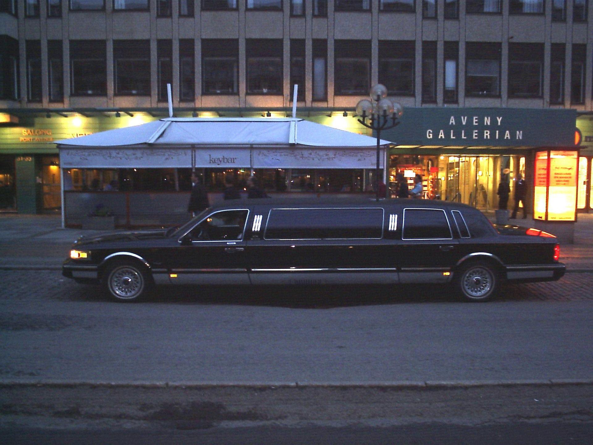Luxury Car Chauffeur Service Manchester