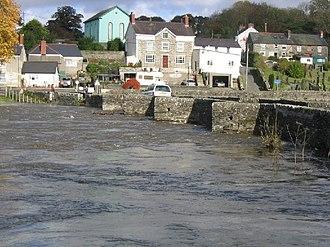 Llechryd - River in flood in 2004