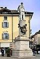 Lodi - piazza Castello - monumento a Vittorio Emanuele.jpg