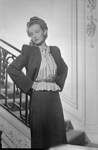 Pussy bow - Pussycat bow blouse designed by Elspeth Champcommunal for Worth London, 1945