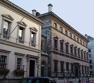 Palazzo style architecture - The Travellers Club (1829) and The Reform Club (1830), Pall Mall, London, by Charles Barry