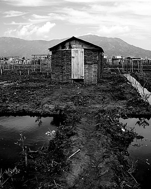 Lone house in Cap-Haitien.jpg