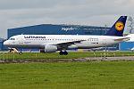 Lufthansa, D-AIPF, Airbus A320-211 (29278111483).jpg