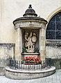 Luxembourg City - Eglise St-Michel - St Michel et le dragon.jpg