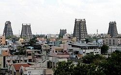 Blick auf Madurai mit den Gopurams des Minakshi-Tempels
