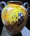 Maiolica di montelupo, dante di guido maffei, orciolo per s.m. nuova (fi) con stemmi medici-toledo, 1571-76, 01, collez. privata.JPG