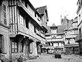 Maison à pans de bois dite du Cirier - Façade sur la place - Lisieux - Médiathèque de l'architecture et du patrimoine - APMH00004381.jpg