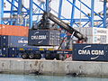 Malta Freeport, Containerverladung 02.JPG