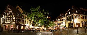 280px-MarktplatzWeinheimAbends