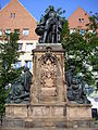 Martin-Behaim-Denkmal Theresienplatz Juni 2010 01.jpg