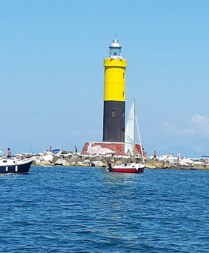 Meloria - Image: Meloria south lighthouse 01 @andreani