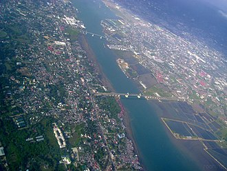 Mandaue - Aerial photo of Mandaue in the eastern part and Lapu-Lapu in the west