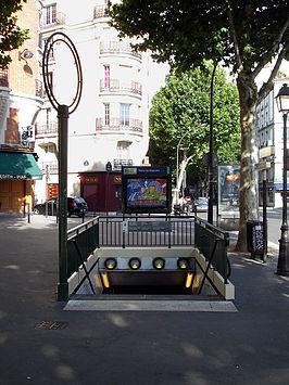 porte de bagnolet metrostation