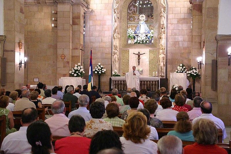 Archivo:Misa Ermita Virgen de Linarejos (Linares).jpg