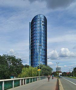 Výšková budova - hlavní část BEA campusu Olomouc