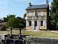 Mouleydier Tuilières maison éclusière amont.jpg