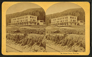 Mount Pleasant House (New Hampshire) - Stereoscopic image of Mount Pleasant House with railroad tracks showing in foreground