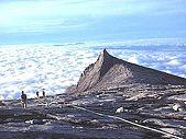 Mount kinabalu lookingdown.jpg