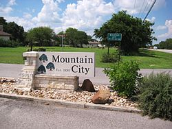 Entrance to the community of Mountain City.
