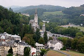 Lourdes wi the Rosary Basilica
