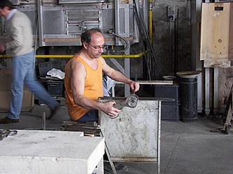 Murano glassblowing demo 5.jpg