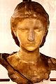 Musée Cinquantenaire Buste jeune femme.jpg