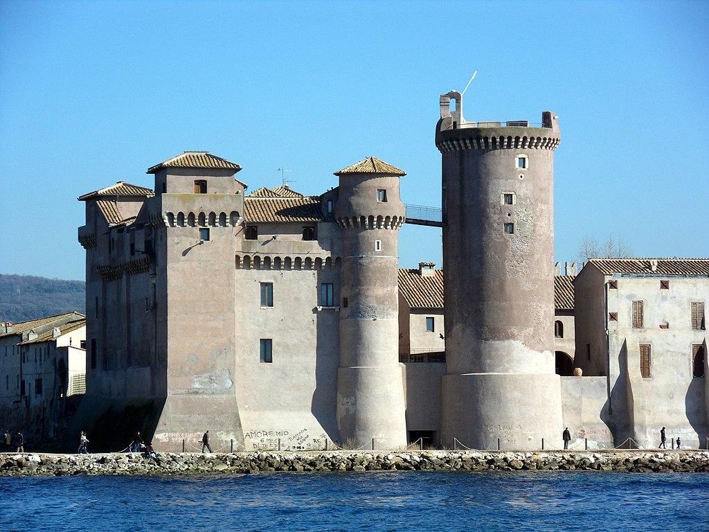 File:Museo del Castello di Santa Severa (La Rocca e la Torre ...