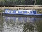 Narrowboat (2434057411).jpg