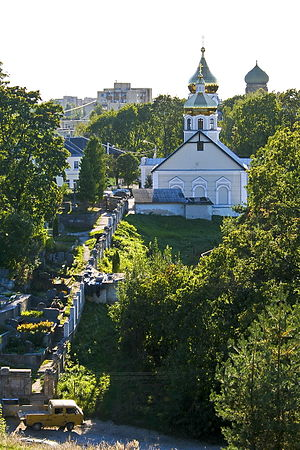 Naujininkai - Old Believers' cemetery and chapel