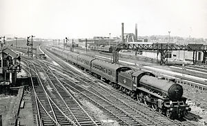 Metropolitan and Great Central Joint Railway - The Manchester to Marylebone express at Neasden Junction
