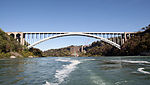 Niagara Falls Rainbow Bridge.jpg