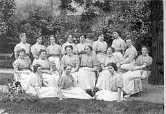 Nurses at Kommunehospitalet c 1910 by Carl Sonne.jpg